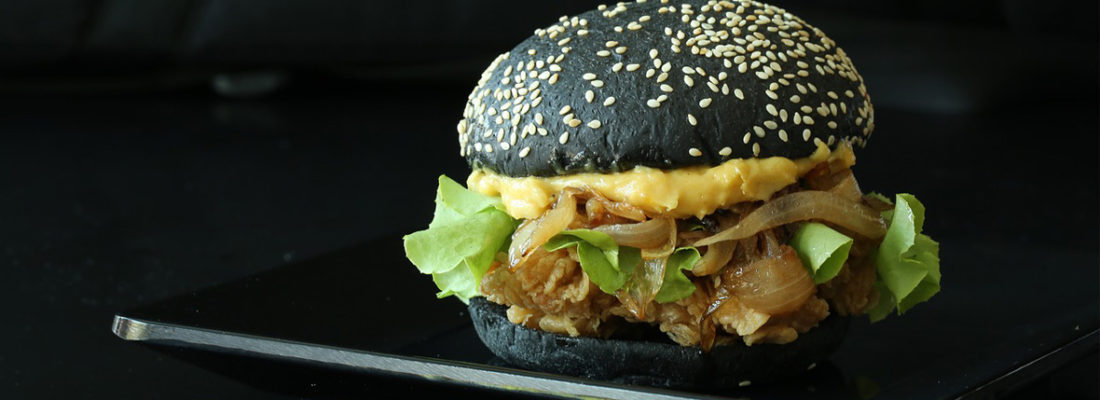 Japanse Black Deep Fried Burger