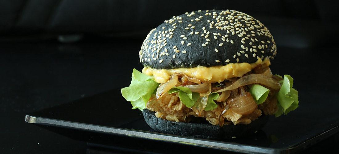 Japanse Black Deep Fried Burger