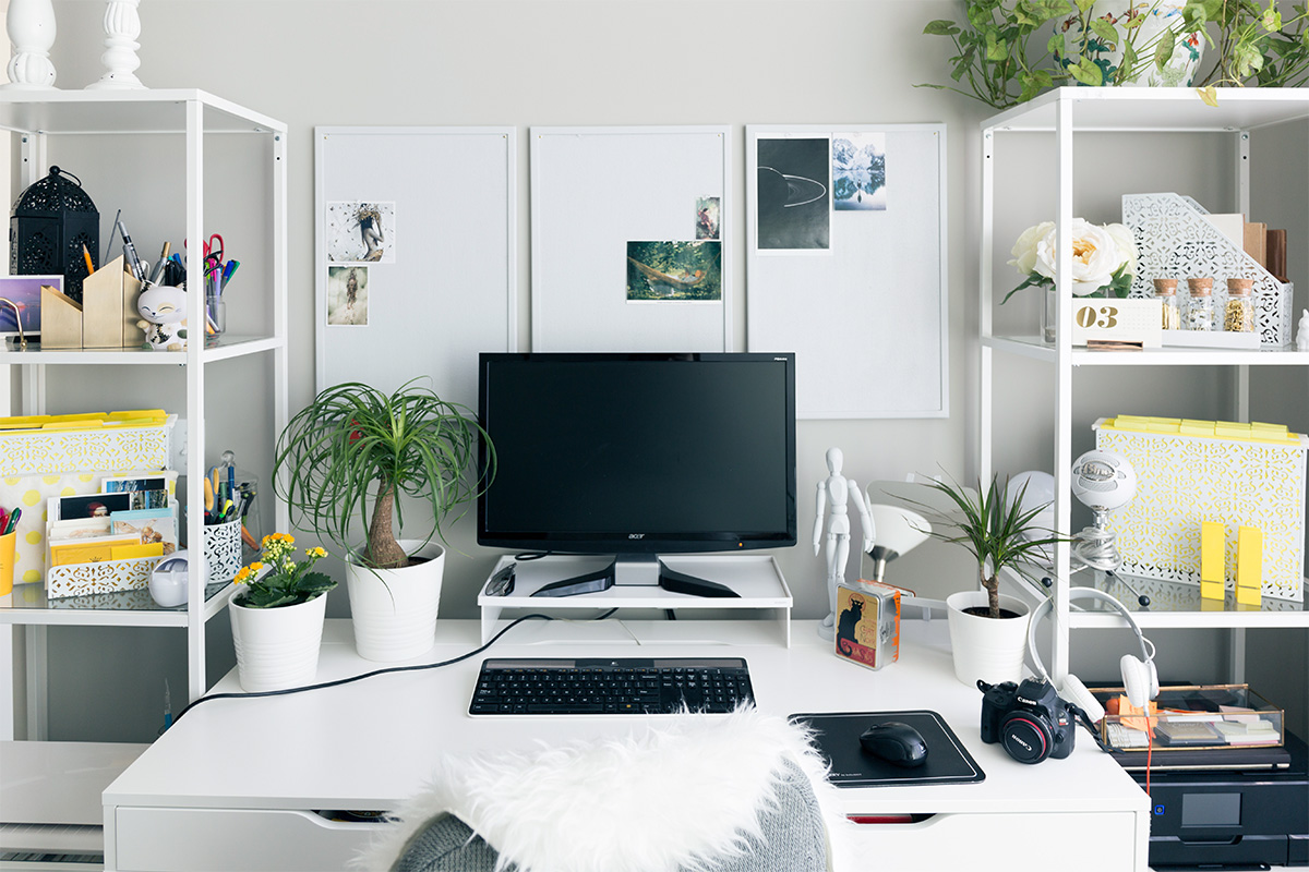 10 Beautiful Ideas for Small Office Decoration