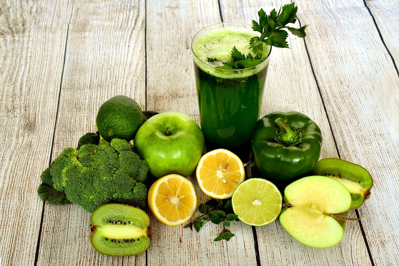 5 Ways: Stay Healthy By Drinkng Green Juices Everyday.
